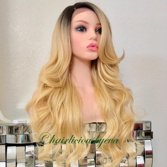 Accessories - Golden Blonde wig ombré dark roots 26 inch long